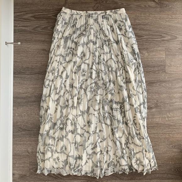 Banana Republic Floral Pleated Maxi Skirt